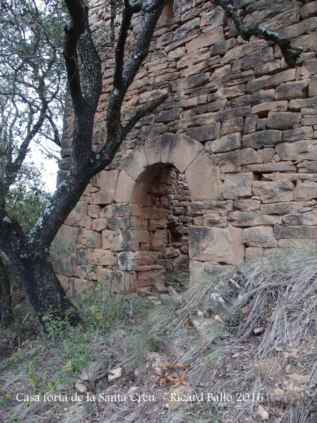 Casa Forta de la Santa Creu – Artesa de Segre - Porta d'entrada