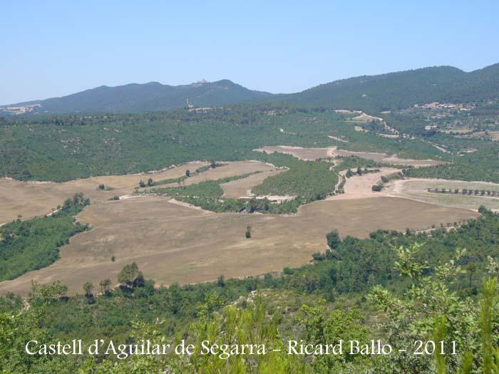 Castell d aguilar de segarra bages catalunya medieval for Piscina aguilar de segarra