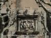 Castell de Castellnou / Llinars del Vallès - Escut que hi ha sobre la llinda de la porta d\'entada.