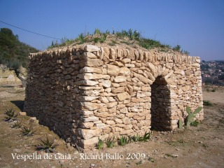 Vespella de Gaià - Cabana de camp, als peus del castell de Vespella.
