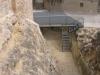 Castell del Catllar - Escala moderna d\'accés al fossat.
