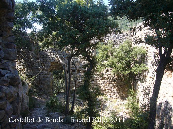 castellot-de-beuda-110915_517