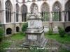 Catedral de Sant Pere-Vic-Claustre-Estàtua d\'en Jaume Balmes.