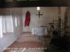Ermita de Sant Amanç – Anglès - Interior - Fotografia feta a través de la petita obertura situada a la porta d\'entrada.