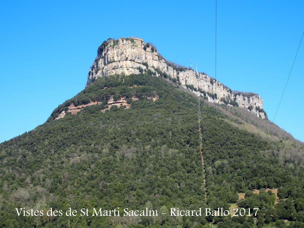 Vistes del Santuari de la Mare de Déu del Far des de l\'Església de Sant Martí Sacalm – Susqueda
