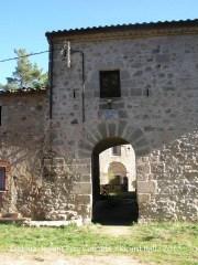 Església de Sant Pere Cercada – Santa Coloma de Farners - Portalada d'entrada.
