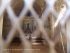 Vistes de l'interior de l'Església de Sant Pere de Montcalb – Guixers. Foto obtinguda introduint l'objectiu de la càmera a través de la petita obertura disposada a la porta d'entrada. Com es pot comprovar, a continuació hi ha un petit reixat.