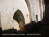 Església de Sant Pere de Tudela - Aquesta fotografia de l\'interior de l\'església, s\'ha obtingut a través d\'una obertura rodona amb reixa que hi ha a la porta d\'entrada.