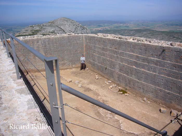 castell-de-montgri-100429_608