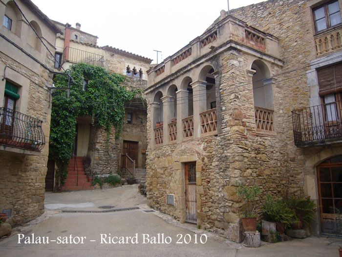 Castell i muralles de palau sator baix empord - Palau de les heures ...