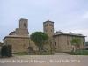 A l\'esquerra veiem l\'església de Sant Joan de Bergús - A la dreta la torre i el Mas La Garriga.