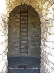 Castell d'Almenara - escala interior de la torre.