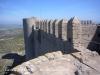 Castell de Montgrí – Torroella de Montgrí - Camí de ronda. A l'esquerra, la cisterna del castell