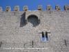 Castell de Montgrí - Torroella de Montgrí - Matacà i finestra geminada, úniques obertures de la façana principal, amen de les corresponents espitlleres