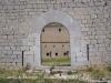 Castell de Montgrí - Torroella de Montgrí - Porta d'entrada al pati del castell. És l'única obertura d'accés a l'interior del recinte
