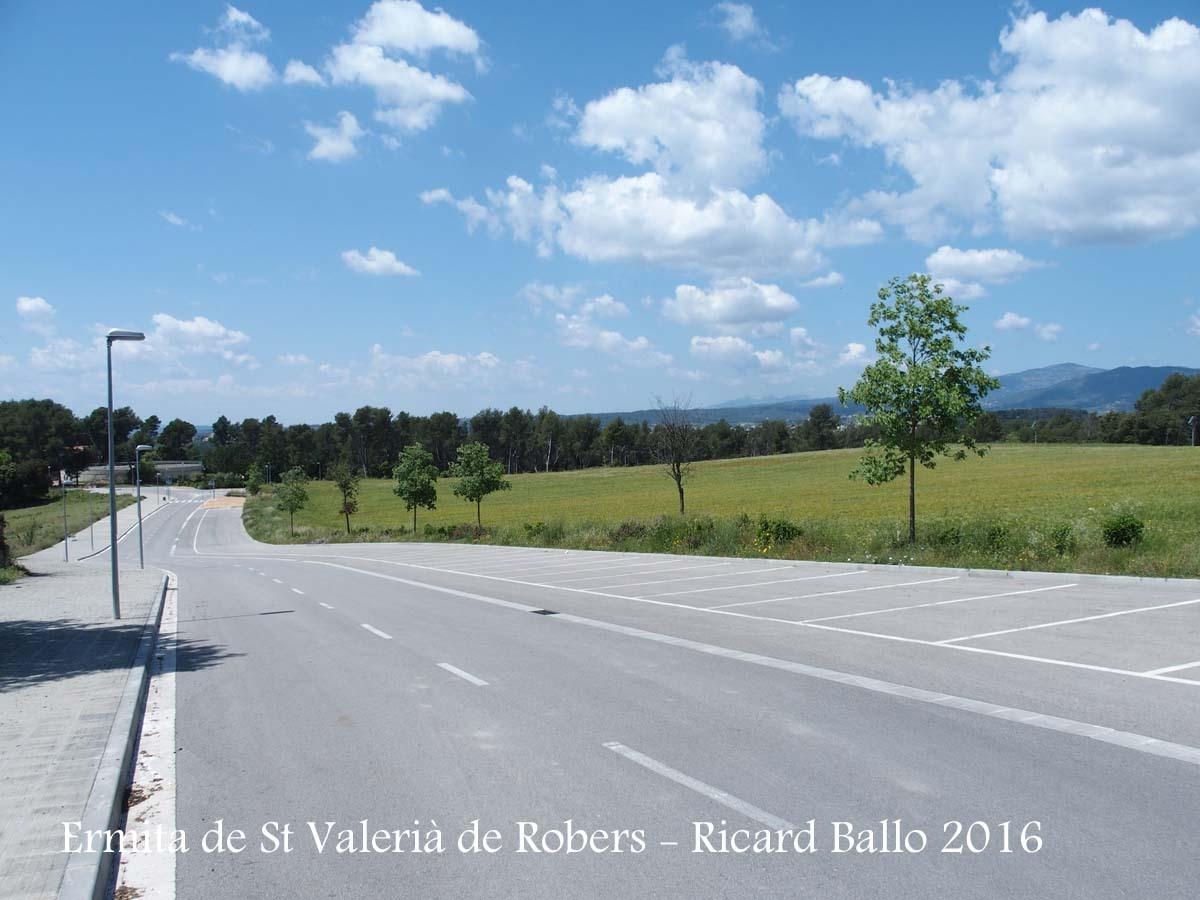 Entorn de l'Ermita de Sant Valerià de Robers – Lliçà d'Amunt - Zona d'aparcament propera