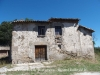 Mas situat al davant mateix de l'Església de Sant Cristòfol de Borrassers – Lluçà