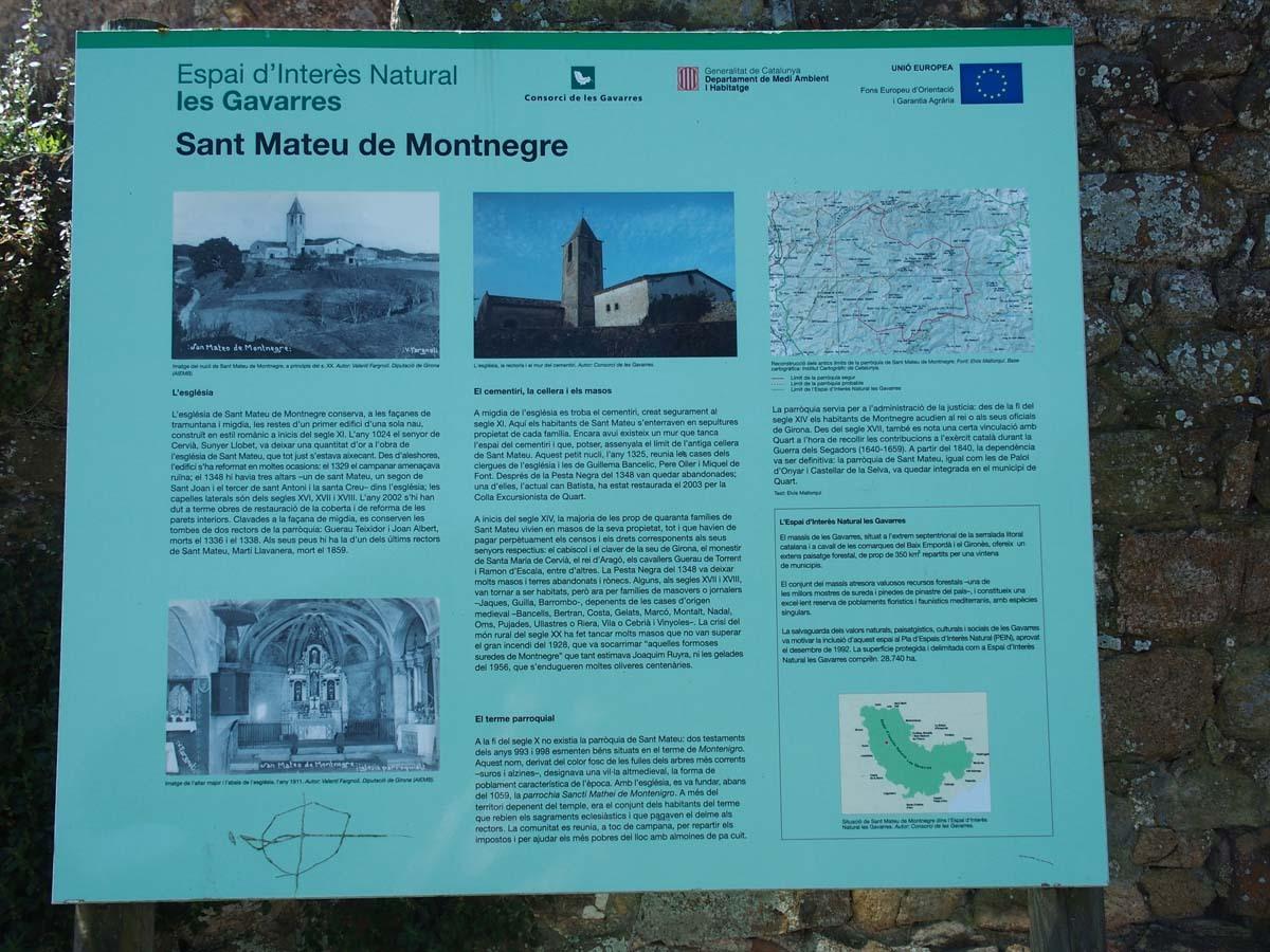 Església de Sant Mateu de Montnegre – Quart - Plafó informatiu situat al davant de l'edificació