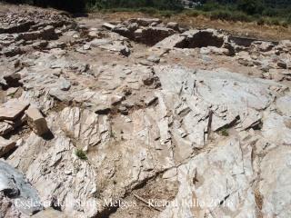 Església dels Sants Metges – Sant Julià de Ramis - Restes arqueològiques, situades al davant de l'església