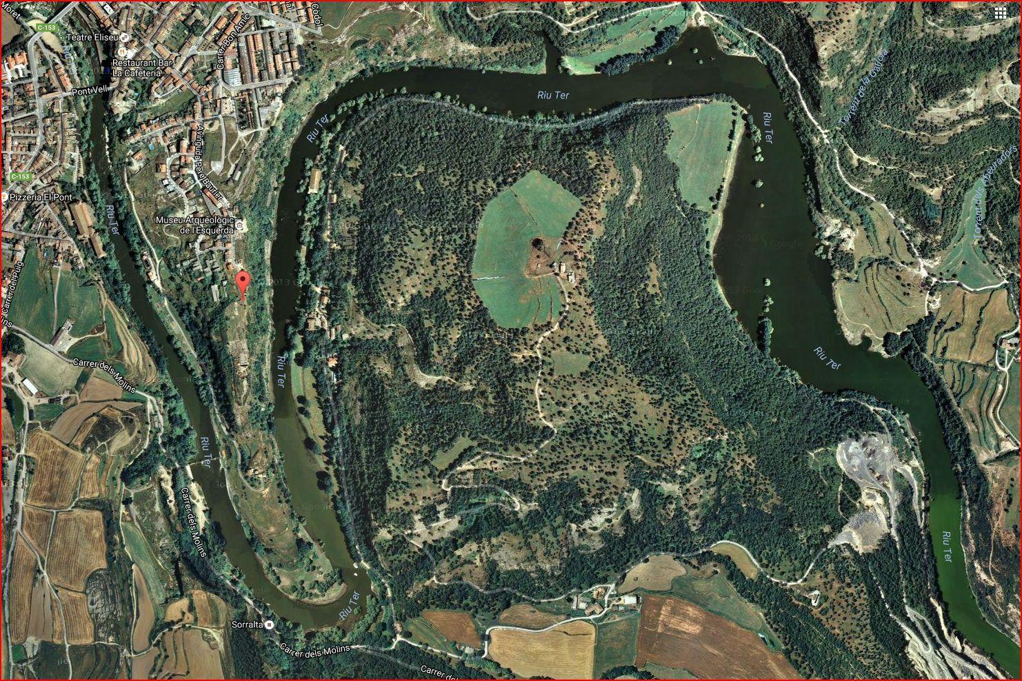 L'Esquerda - Planell de situació on s'aprecia el meandre del riu Ter que envolta parcialment aquest territori - Captura de pantalla de Google Maps