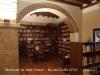 Monestir de Sant Daniel - Girona - Biblioteca - Els llibres que actualment s'hostatjant a les estanteries són d'època moderna, doncs durant la guerra civil espanyola es van destruir o vàren desapareixer tots els exemplars