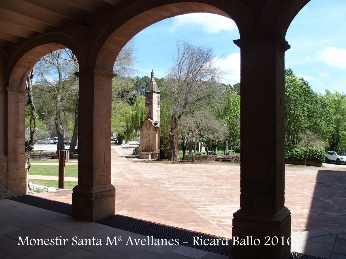 Monestir de Santa Maria de Bellpuig de les Avellanes - Os de Balaguer