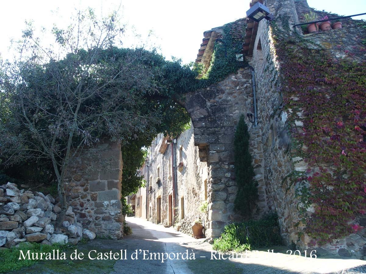 Muralla de Castell d'Empordà – Castell d'Empordà
