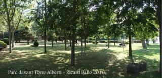 Parc públic situat al davant de la Torre Albertí – Llagostera