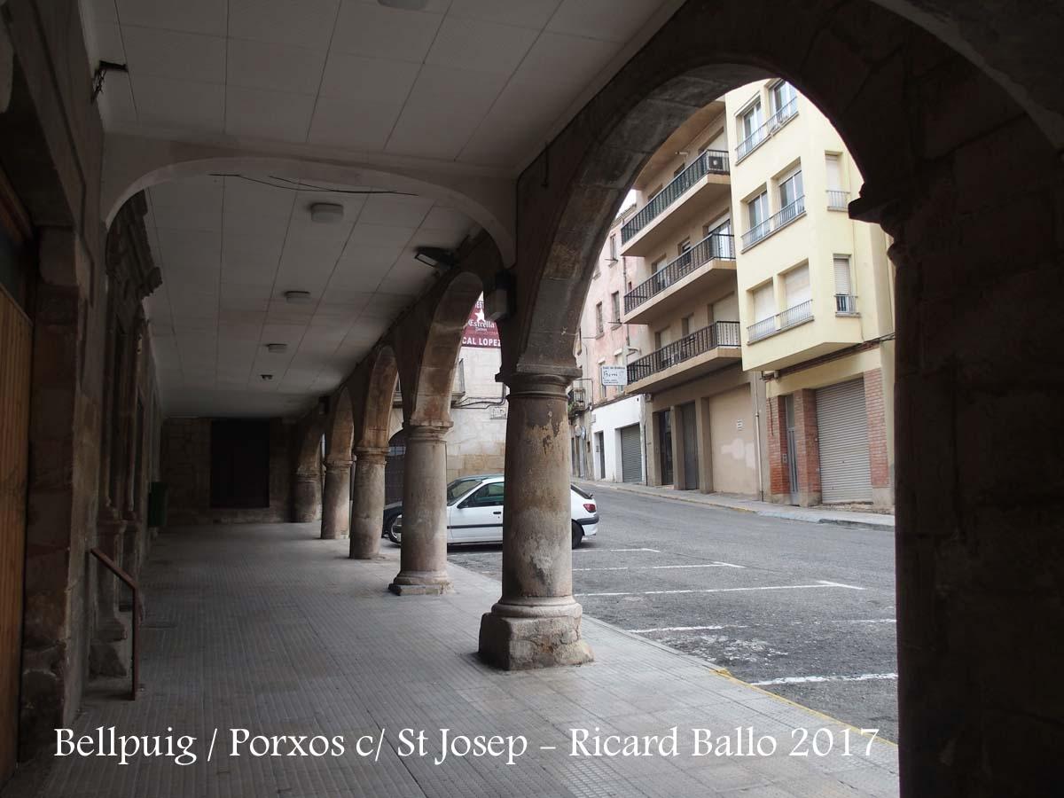 Bellpuig - Porxos del carrer Sant Josep (Actualment carrer d\'homenatge a la vellesa (?)
