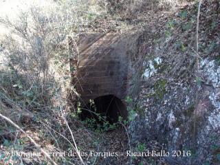 Búnquers a la Foradada - Una obertura d'accés