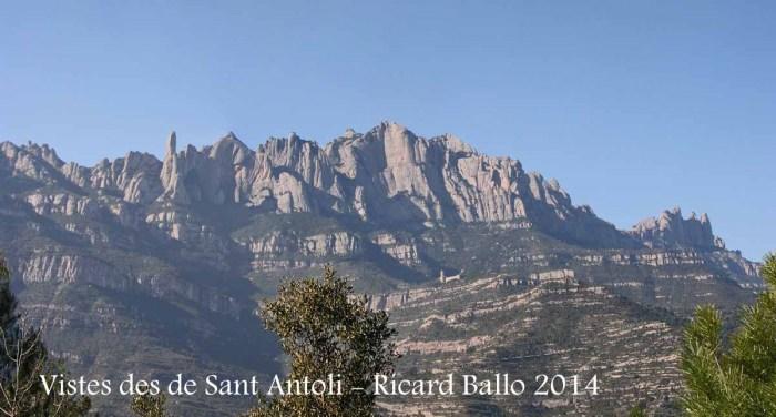 Vistes des del camí d'accés a la capella de Sant Antolí – Monistrol de Montserrat - Al fons la muntanya de Montserrat.