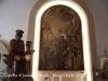 Capella de Sant Jaume – Lleida - Fotografia de l'interior obtinguda adossant l'objectiu de la càmara de fotografiar al vidre de la porta d'entrada