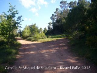 Capella de Sant Miquel de Vilaclara - Inici del camí, a peu.Lloc on diem que una mica més endavant es pot deixar el cotxe.