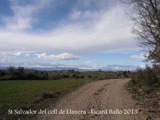 De camí a la capella de Sant Salvador del Coll de Llanera . Una mostra del darrer tram del recorregut.
