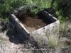 Capella de Sant Valentí – Aguilar de Segarra - Dipòsit de pedra, tallat d\'una sola peça.