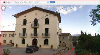 Camí a la capella de Santa Magdalena del Puig – Gelida - Can Duran del Puig - Captura de pantalla de Google Maps, complementada amb anotacions manuals - La fletxa de color vermell indica la direcció del recorregut a peu, final de l'itinerari, deixant el mas a l'esquerra.