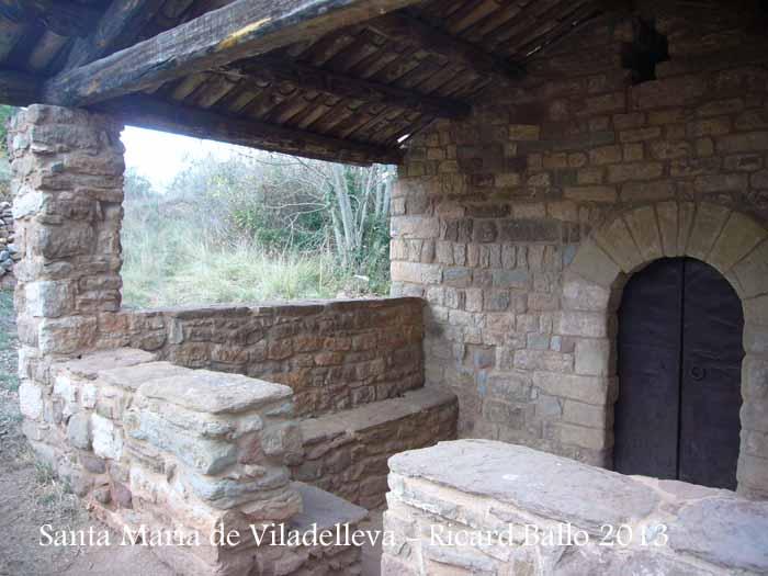 Capella de Santa Maria de Viladelleva – Callús - Porxo.