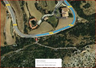 Detall de la darrera part del camí d'accés a la Capella del Remei – Odèn - Captura de pantalla de Google Maps, complementada amb anotacions manuals