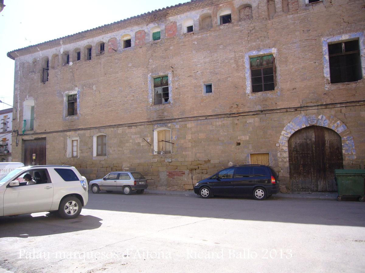 Casal palau dels marquesos d'Aitona