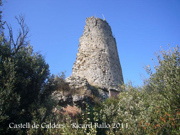 castell-de-calders-111001_512