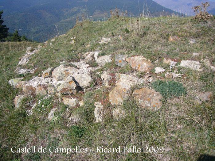 castell-de-campelles-091003_510