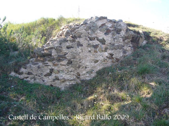 castell-de-campelles-091003_512