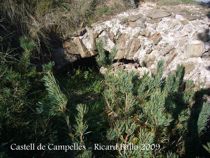 castell-de-campelles-091003_521