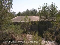 Camí al castell de Can Ferrer de la Cogullada.Dipòsit.