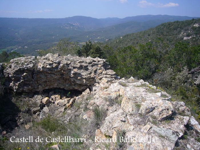 castell-de-castellbarri-100410_528