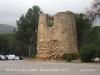Castell de Castelldefeles - Torre de la Plaça del Castell, situada al davant de la porta d'entrada