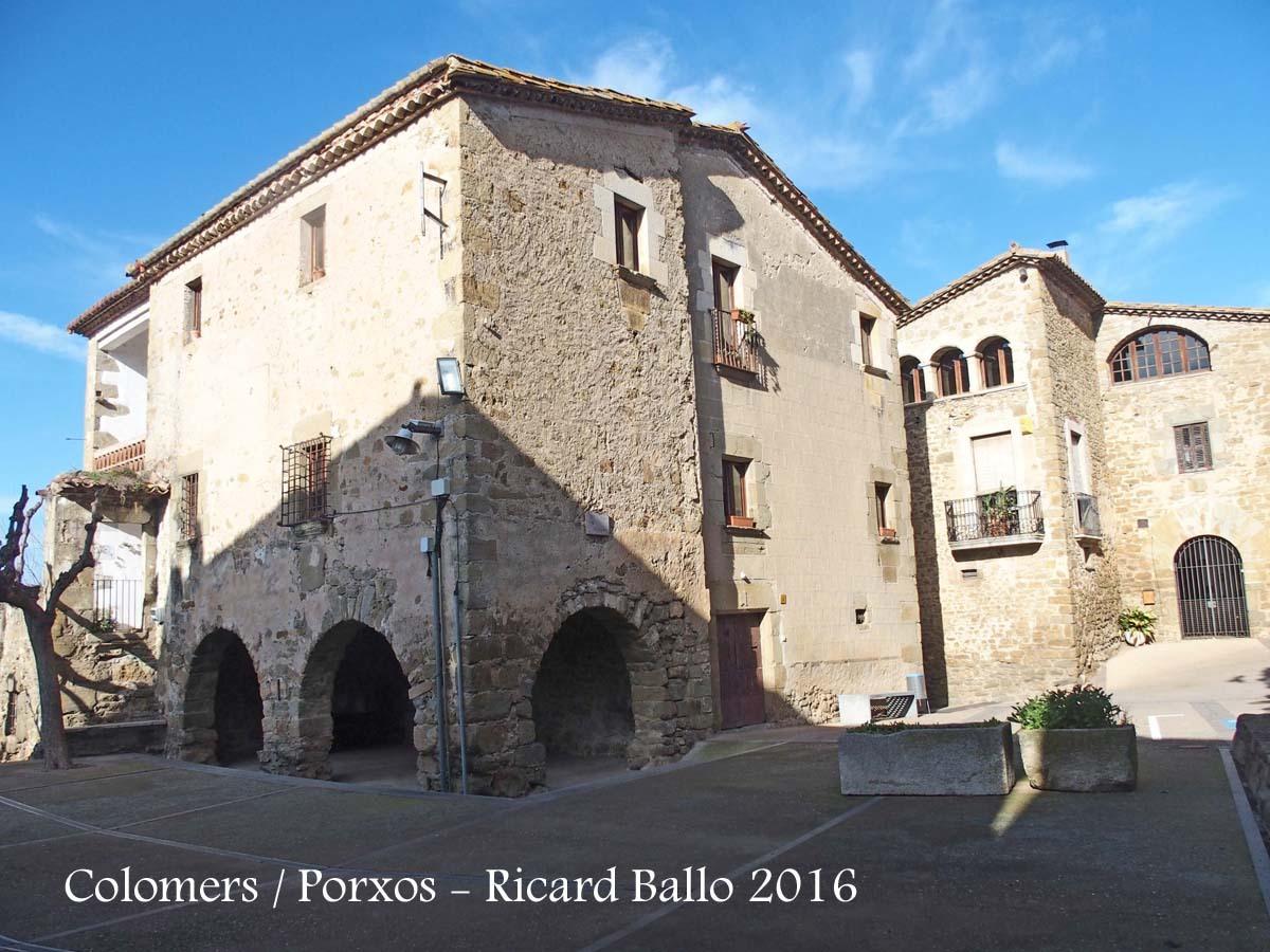 Colomers / Porxos - Plaça de l\'església