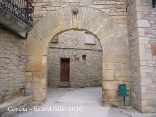 Conesa: Portal de Santa Maria.