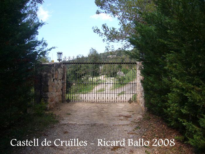 castell-de-cruilles-080429_504