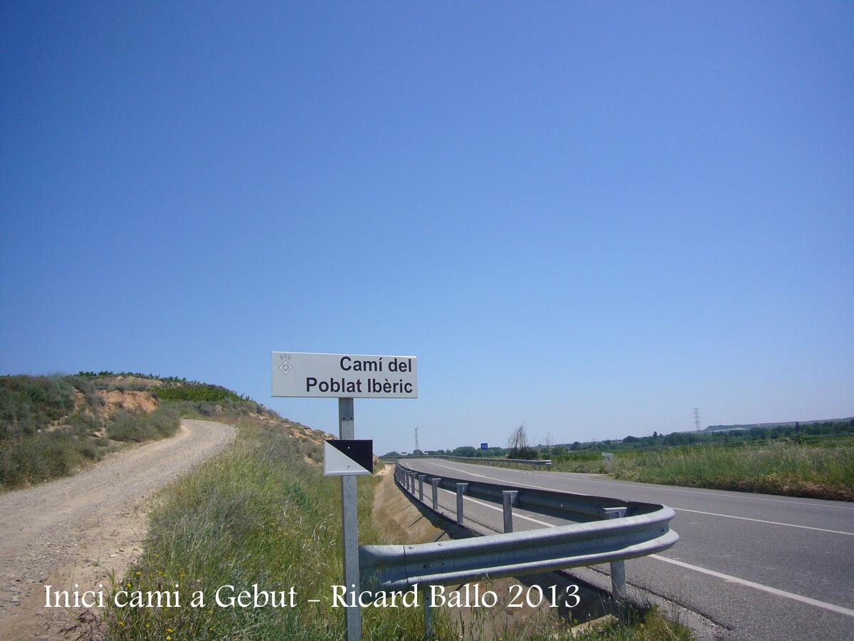 Camí al castell de Gebut